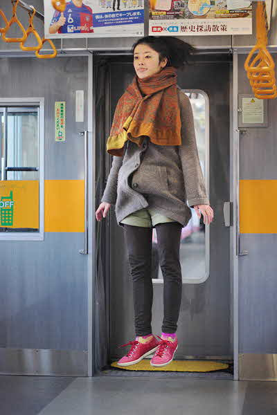 japanese girl levitates natsumi hayashi 22 jpg
