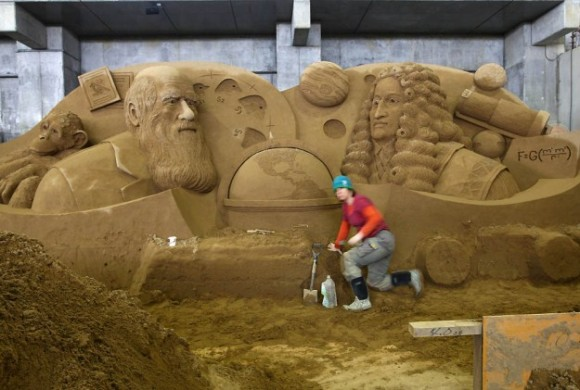 Sand-Sculptures-Exhibited-At-Tottori-Dune-015-580x3901