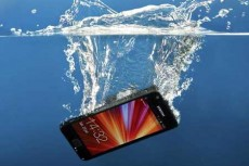 Waterproof-Phones-Inside-and-Out