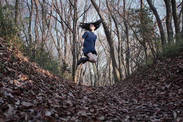 Natsumi Hayashi : Gorgeously Levitating Japanese Girl