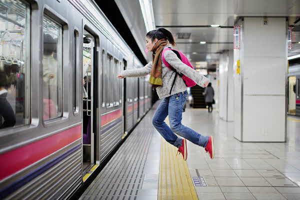 japanese girl levitates natsumi hayashi 11 jpg